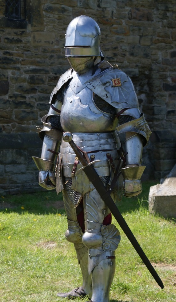 Arming a knight in the 15th century – Catherine Hanley